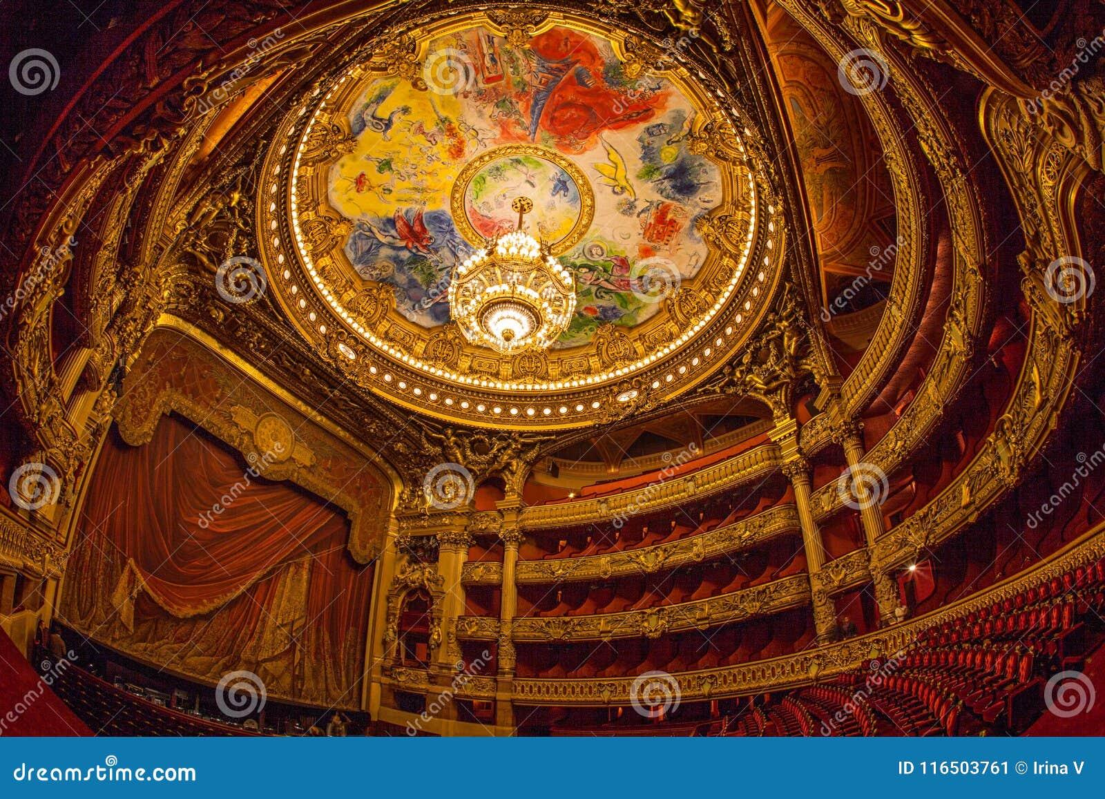 Paris France Octobre 2017 Amphitheatre A L Interieur De Du Palais Garnier Opera Garnier A Paris France Le Secteur De Plafon Photo Editorial Image Du Palais Opera 116503761