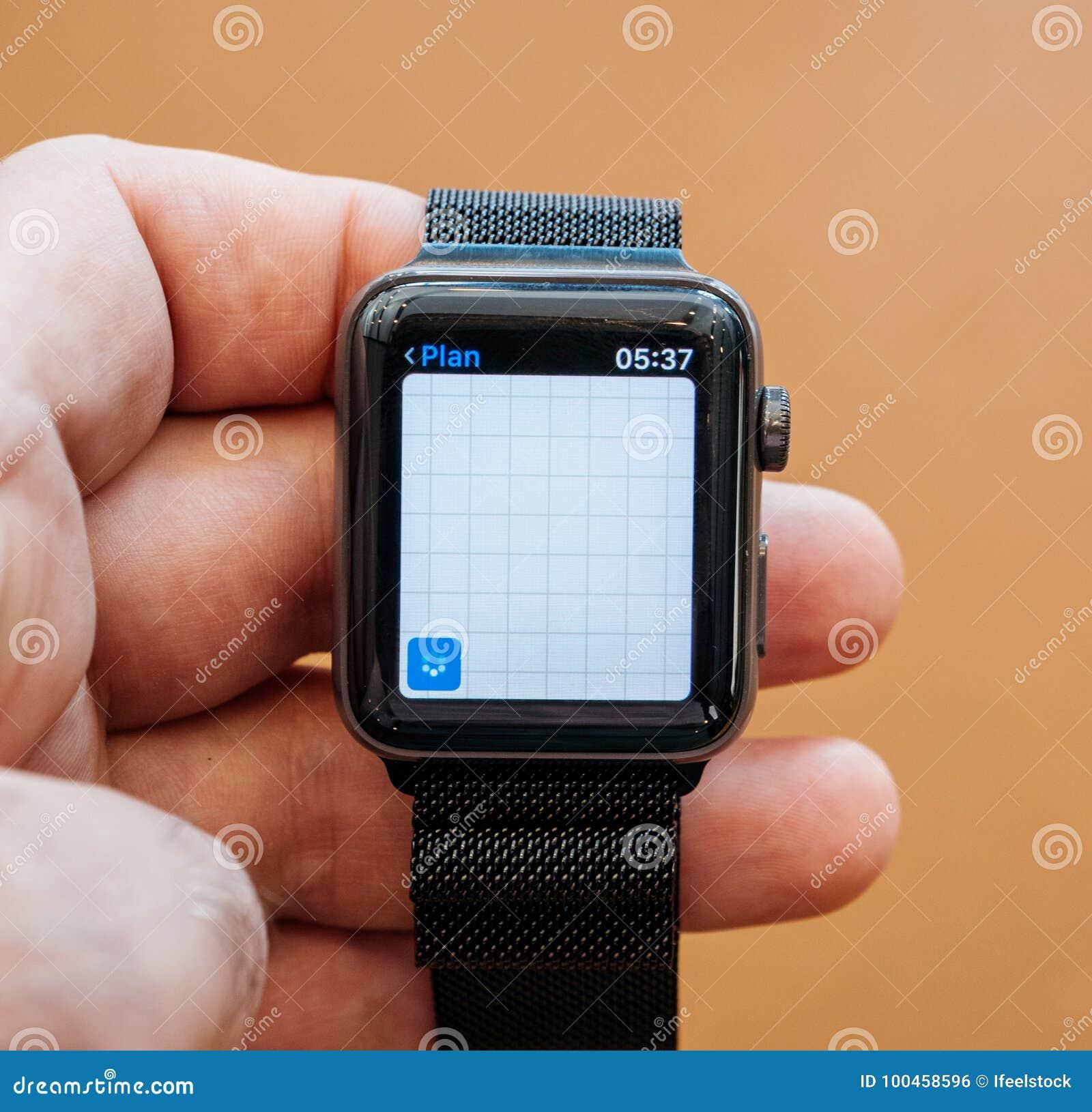 New Apple Watch Series 3 Apple Maps Location App Editorial Photo ... 4de911c51ee2