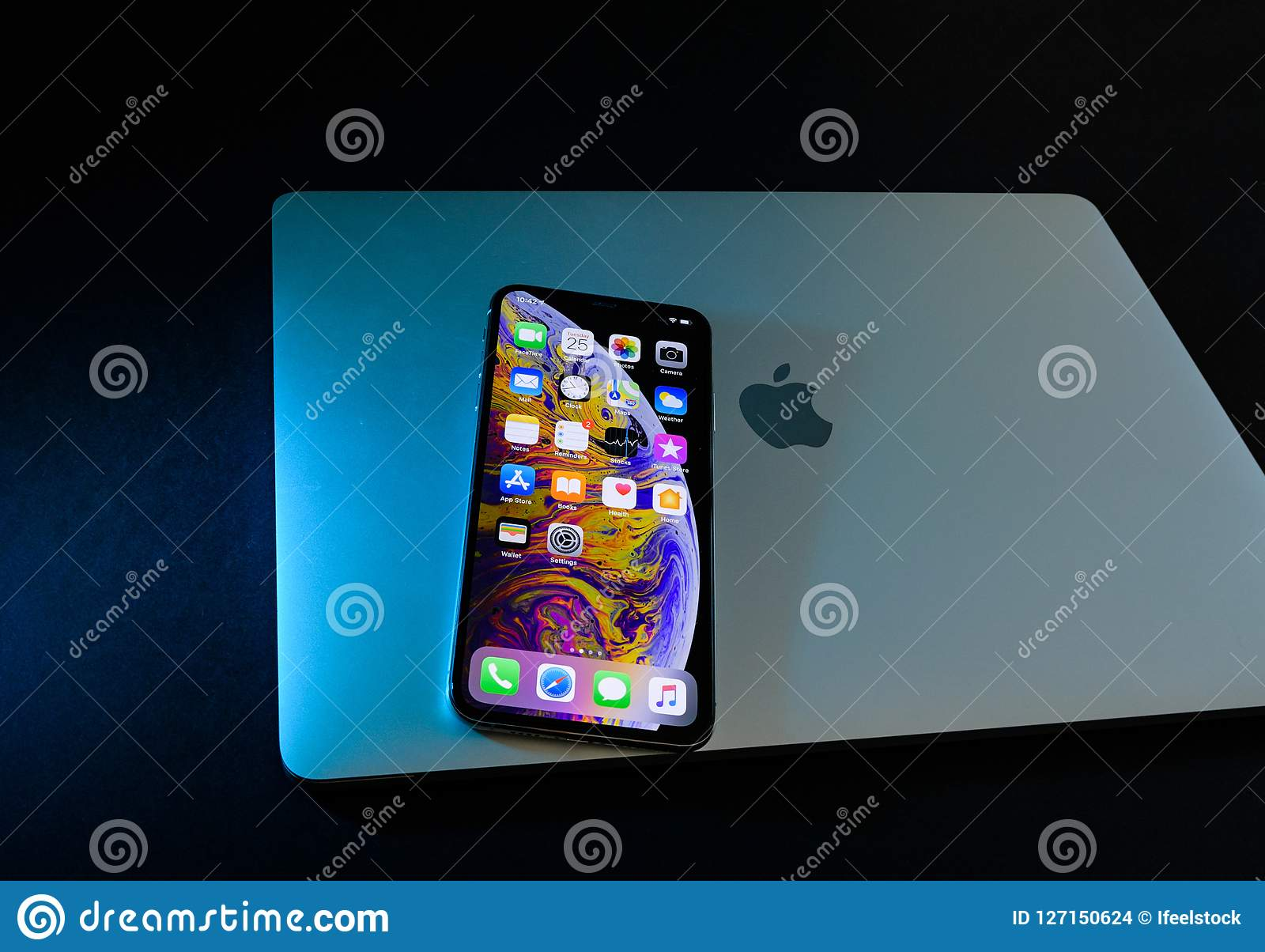 How To Close Apps On The Iphone 10 Max How to Close Apps on