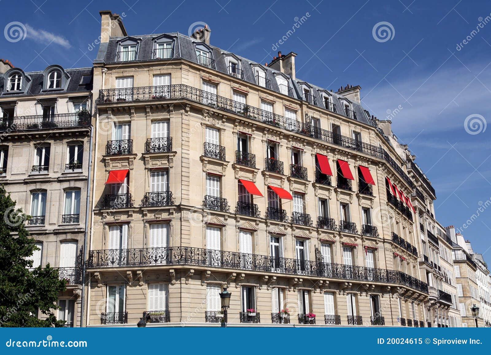 Paris immeuble photo libre de droits image 20024615 for Paris libre