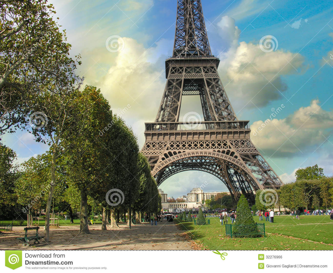 paris la tour eiffel summer sunset above city famous tower stock photo image of color. Black Bedroom Furniture Sets. Home Design Ideas