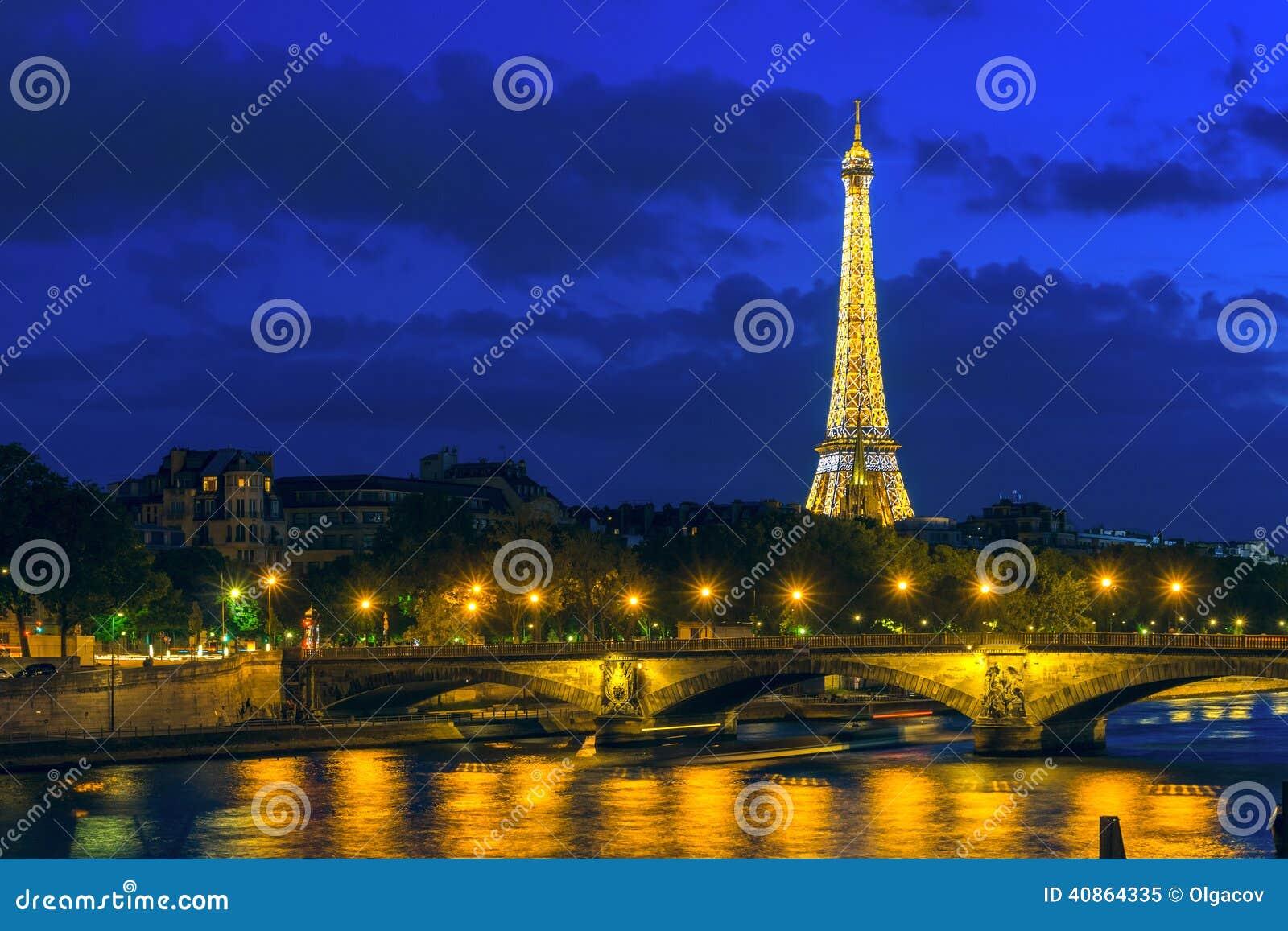 Paris 9 mai paysage urbain de paris avec tour eiffel for Paris paysage