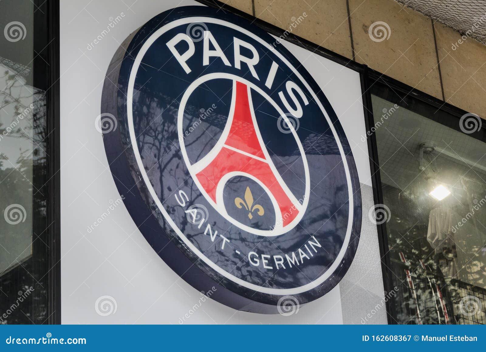 Paris Saint Germain Logo Auf Saint Germain Fussball Club Store Redaktionelles Stockfotografie Bild Von Germain Logo 162608367
