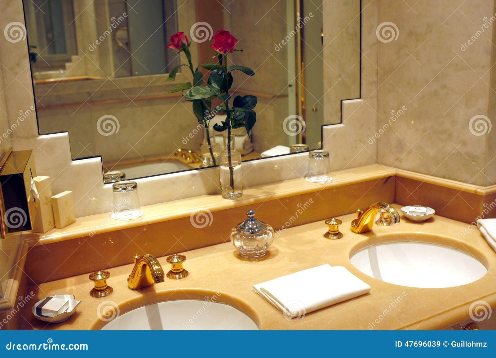 Paris salle de bains d 39 h tel de palais photo stock for Hotel des bains paris 14