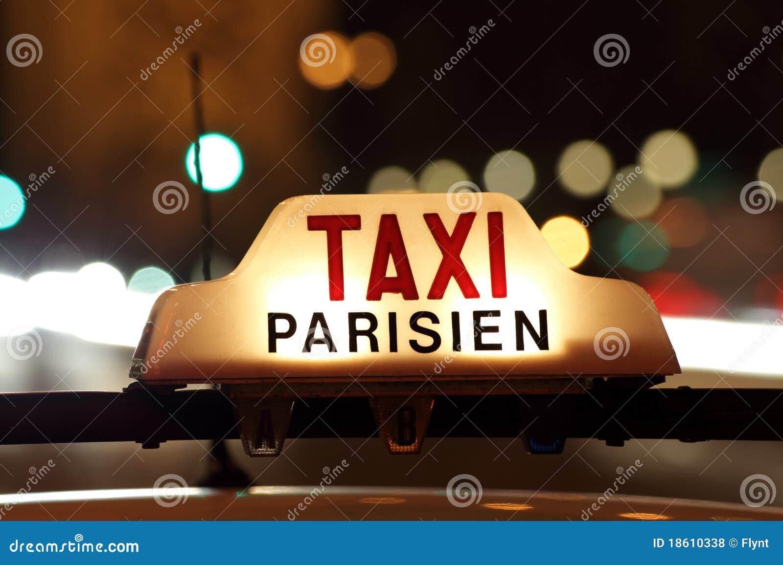 Paris taxi by the Arc de Triomphe