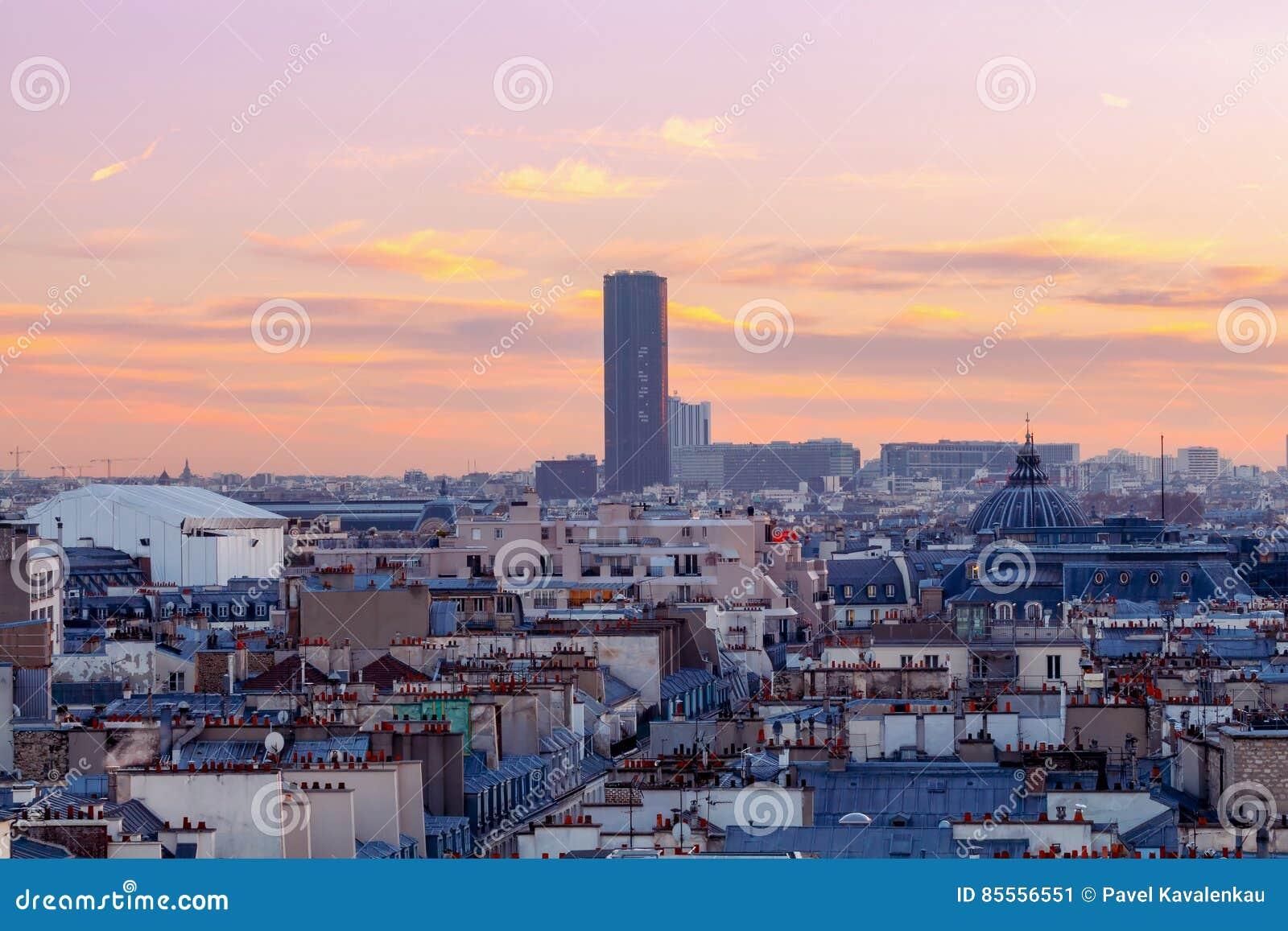 Paris Vogelperspektive nachts