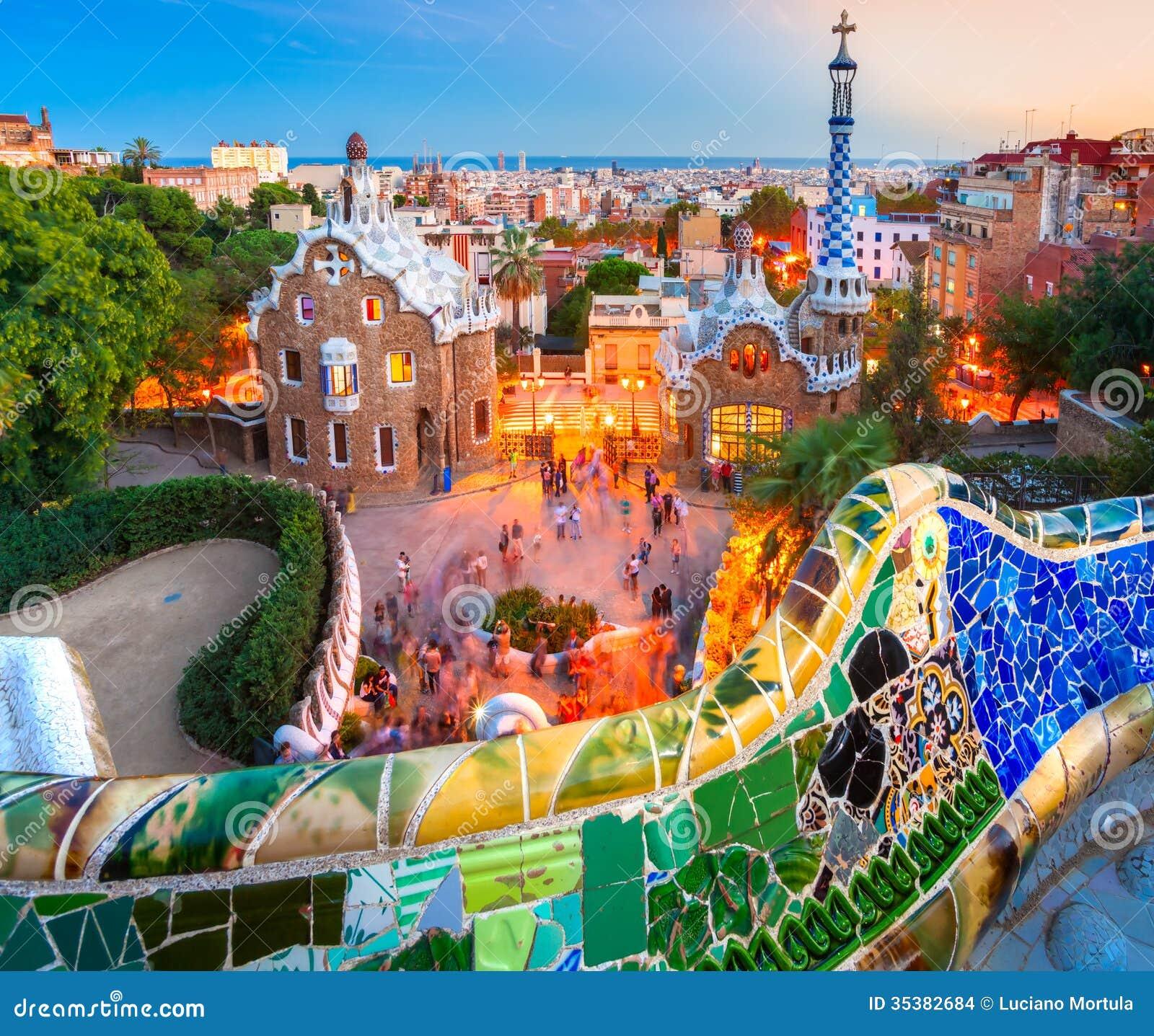 Park Guell In Barcelona Spanien Stockfoto Bild Von Organisch Museum 35382684