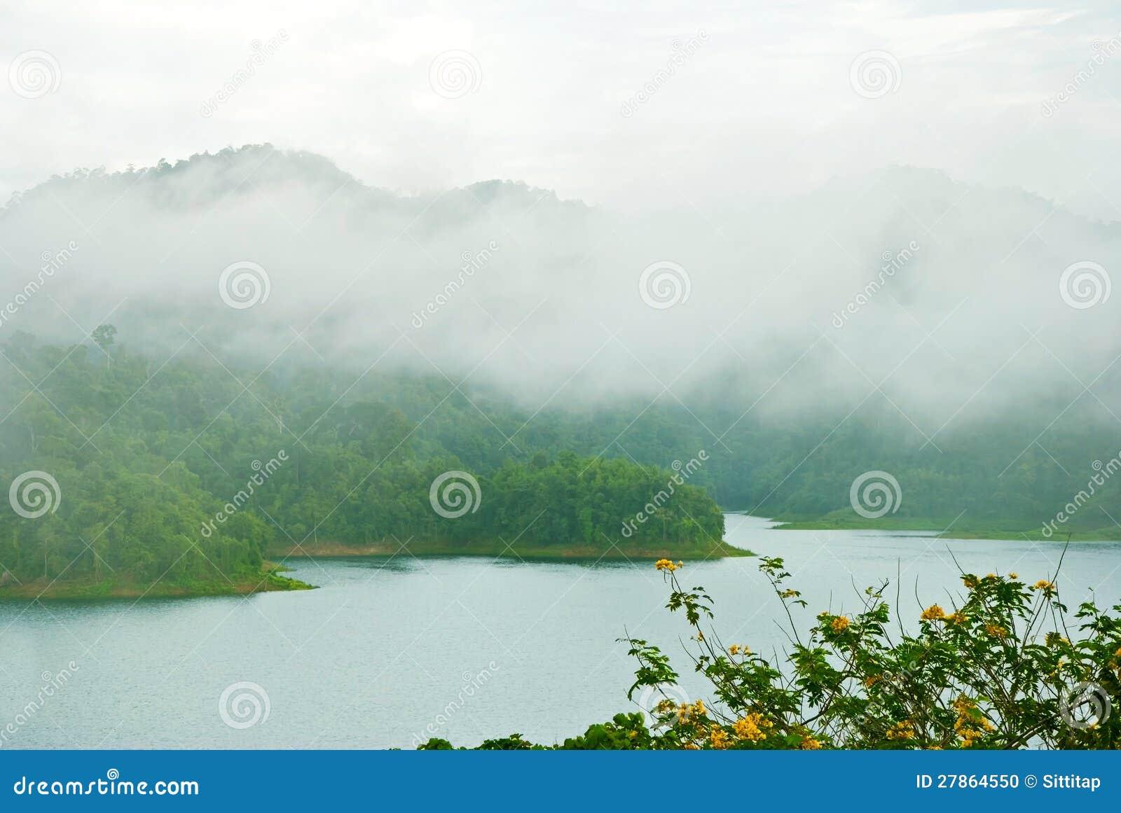 Park Narodowy grobelna Ratchaprapha tama, Tajlandia