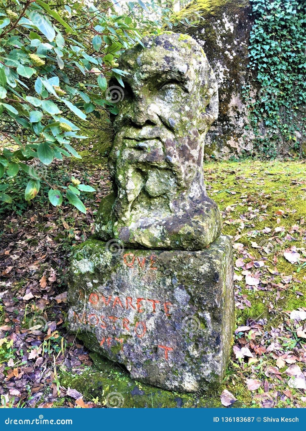 Park potwory, Święty gaj, ogród Bomarzo Pier Francesco Orsini i jego statuy