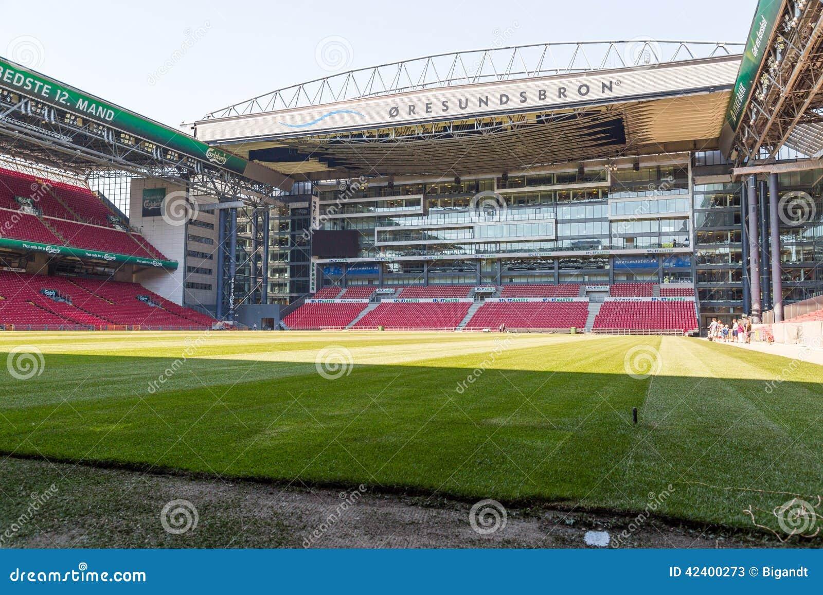 ... der 2014/2015 Jahreszeit des lokalen Fußballteams FC Kopenhagen vor