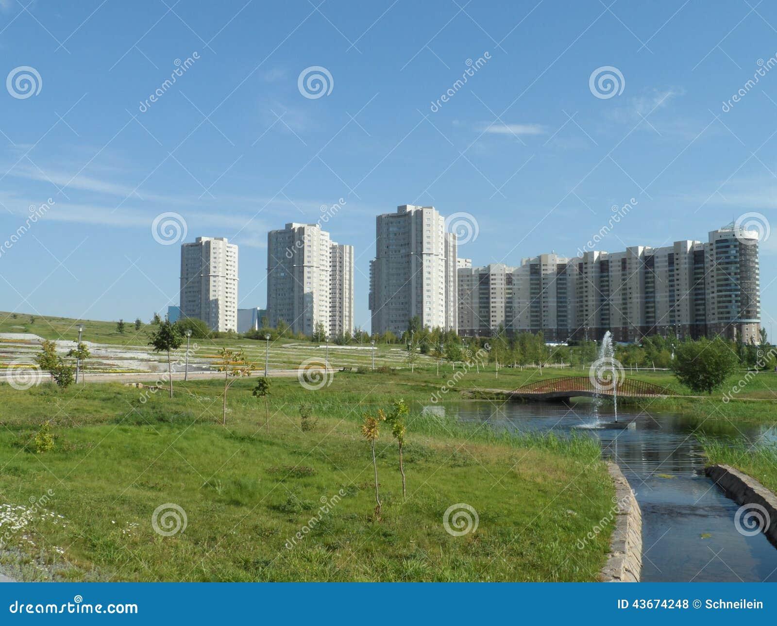 Parkera och bostads- byggnader