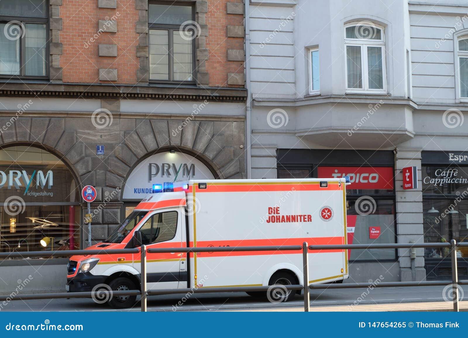 Parkerad ambulans i Munich