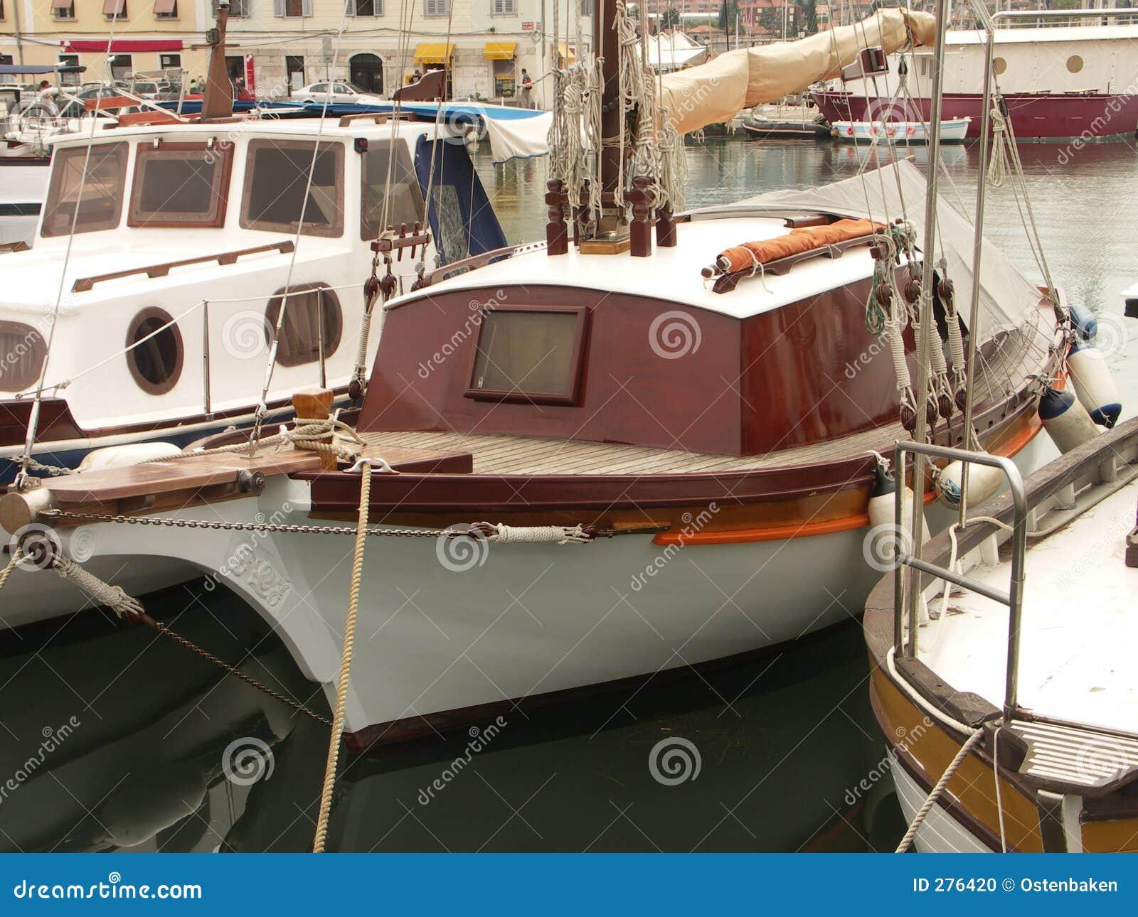 Parkerande yacht