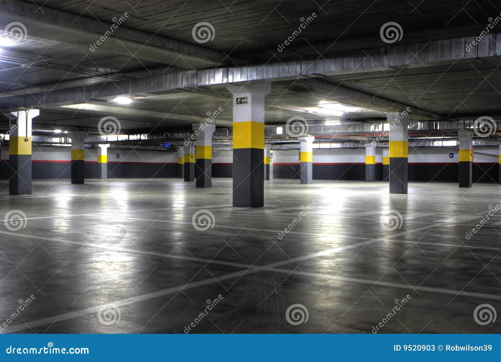 Секс на подземной автостоянке 12 фотография