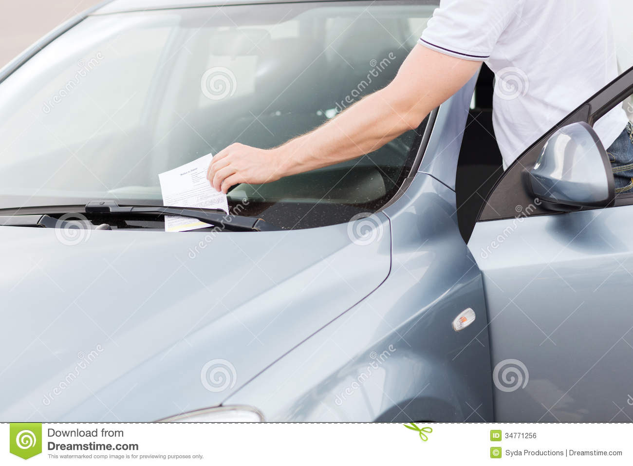 Parking Ticket On Car Windscreen Royalty Free Stock Image