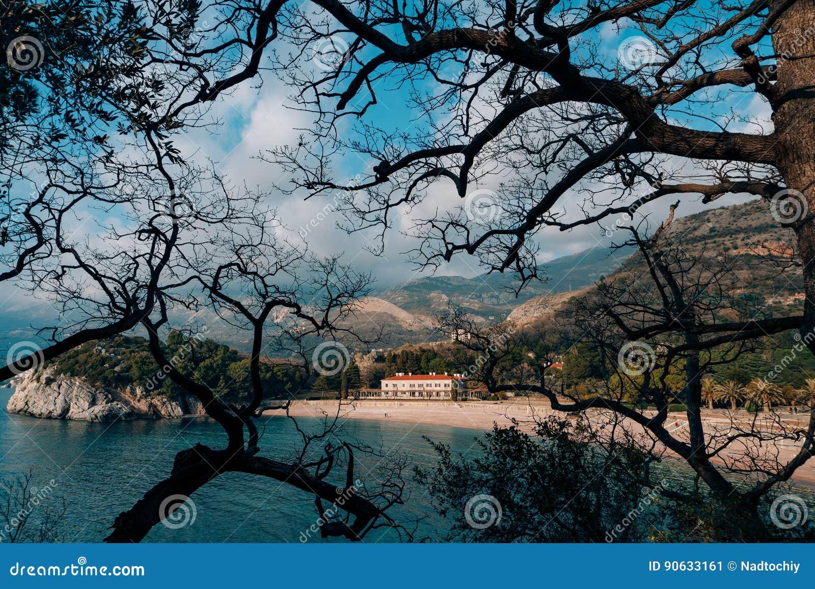 Parkowy Milocer, willa, plażowa królowa Blisko wyspy Sveti Stefan w Montenegro