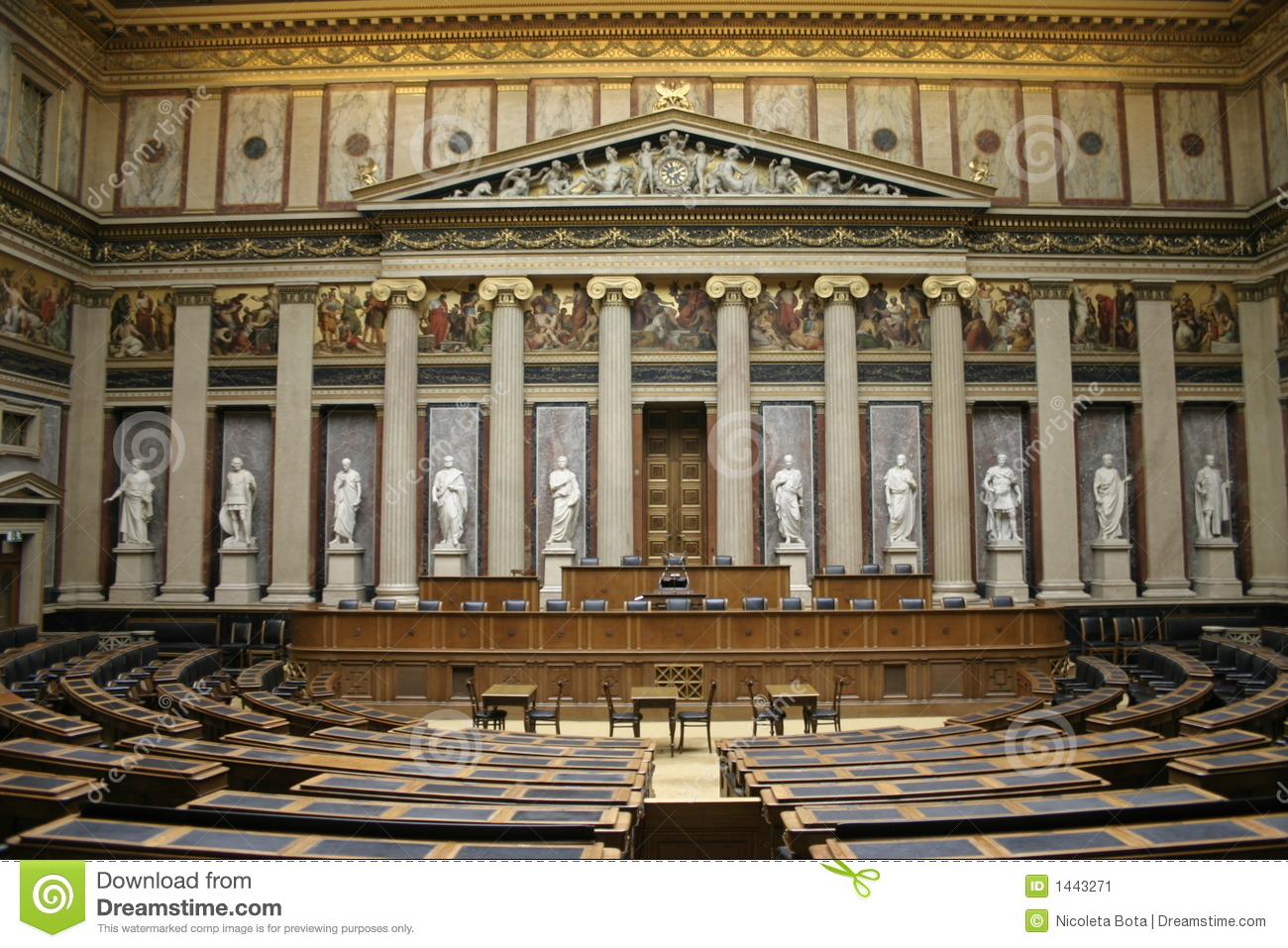 Parlamento di vienna immagine stock immagine 1443271 for Parlamento it