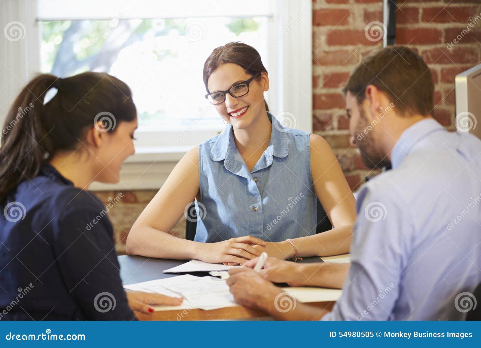 Parmöte med den finansiella rådgivaren i regeringsställning