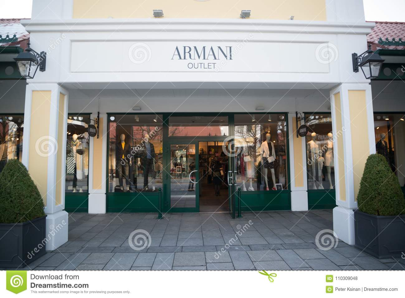 Armani Outlet Store In Parndorf 68a6c68d48508