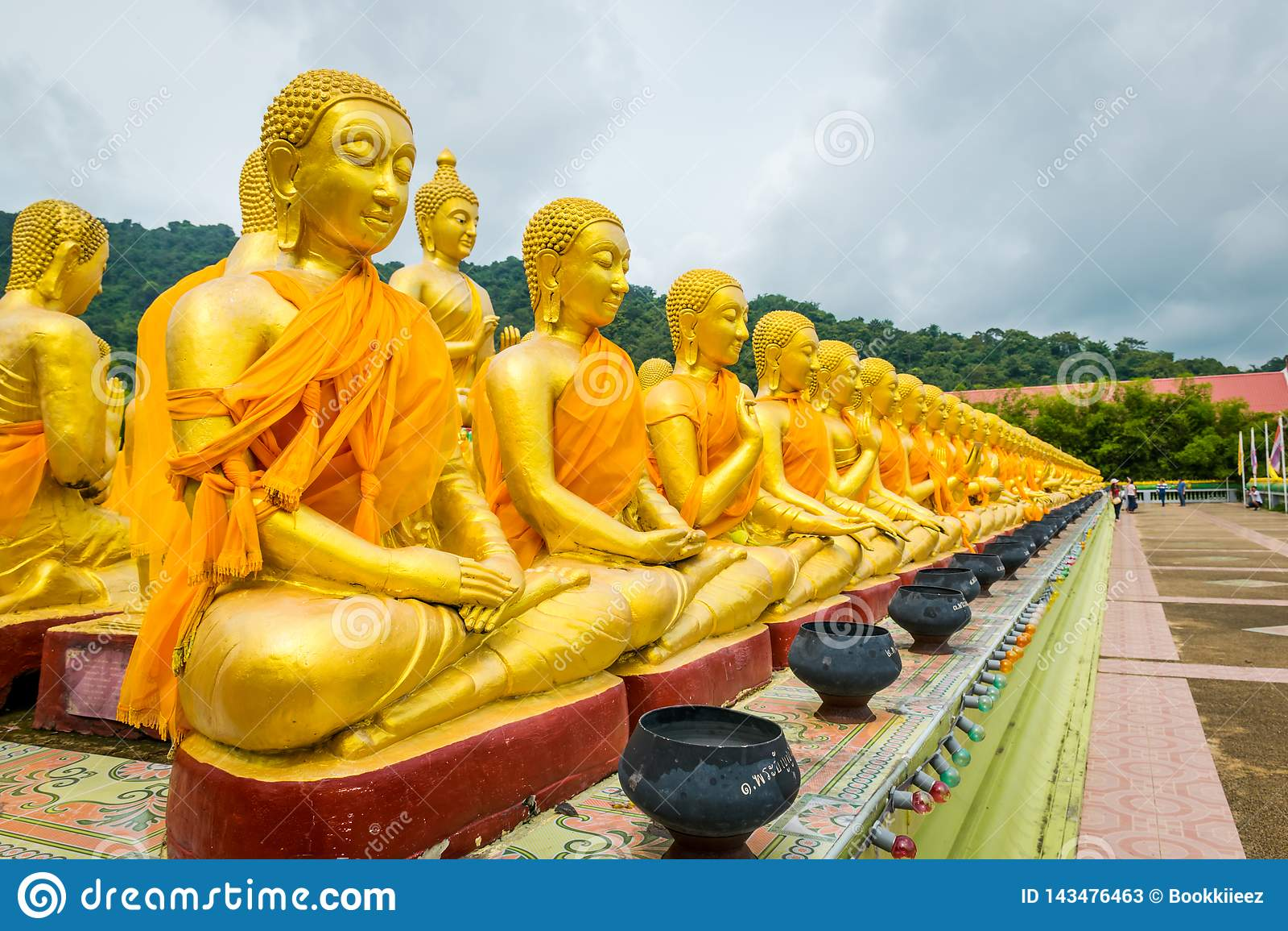 Parque conmemorativo budista de Makha Bucha en Nakhon Nayok, Tailandia