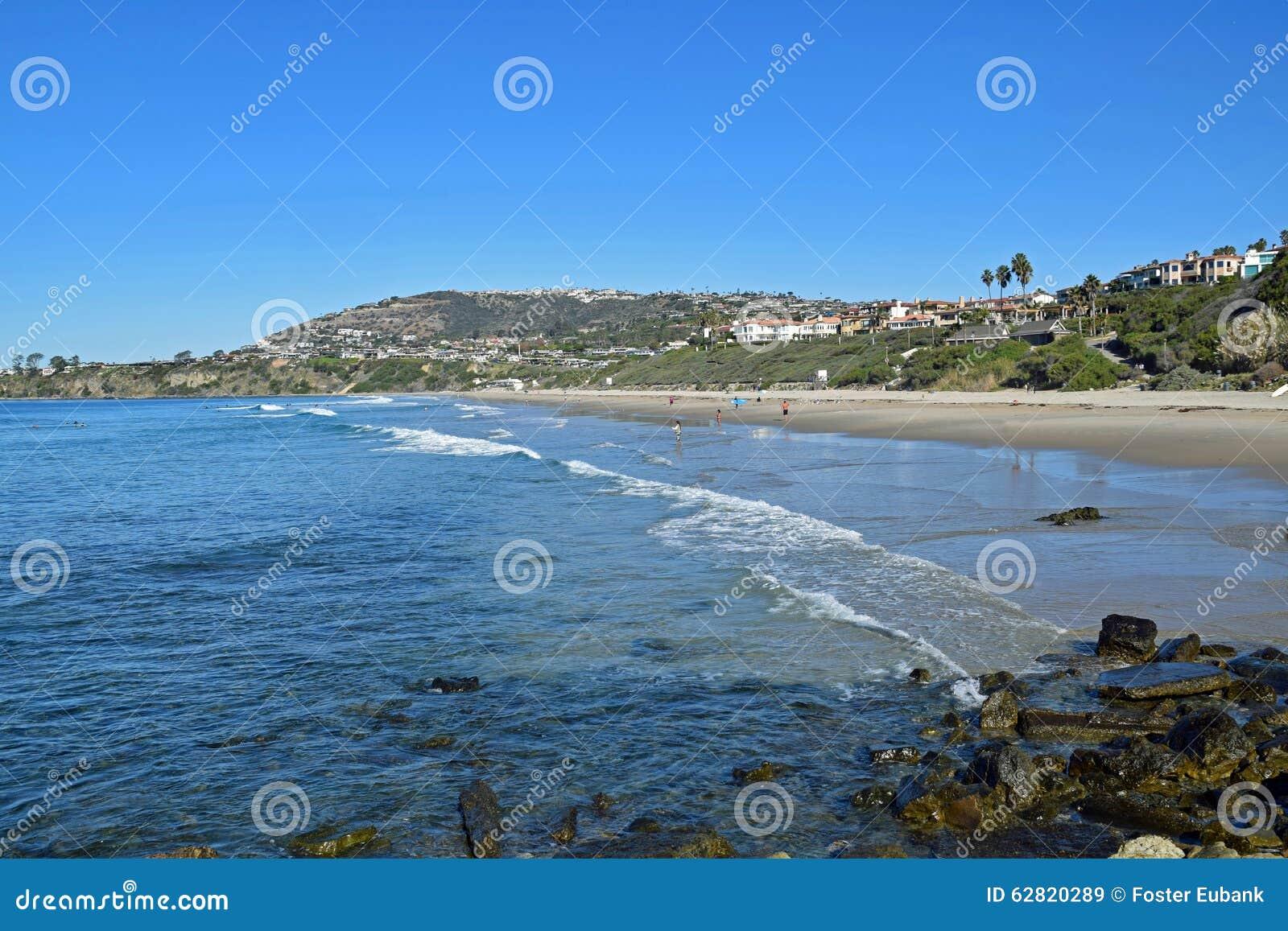 Parque de la playa de la cala de la sal en Dana Point, California