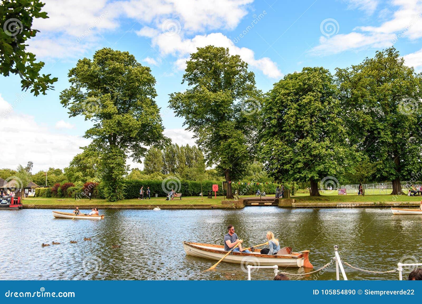 Parque de Stratford em Avon, Inglaterra, Reino Unido