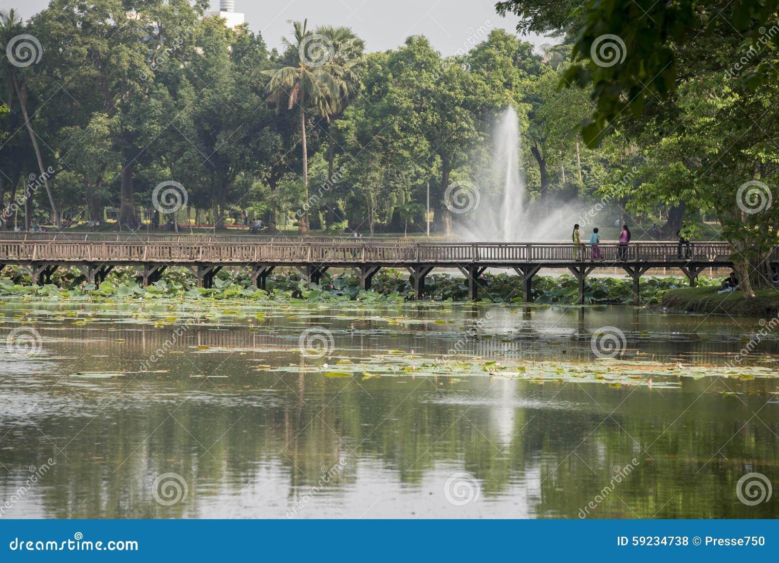 Download PARQUE DEL LAGO DE ASIA MYANMAR RANGÚN KANDAWGYI Foto de archivo - Imagen de birmania, yangon: 59234738