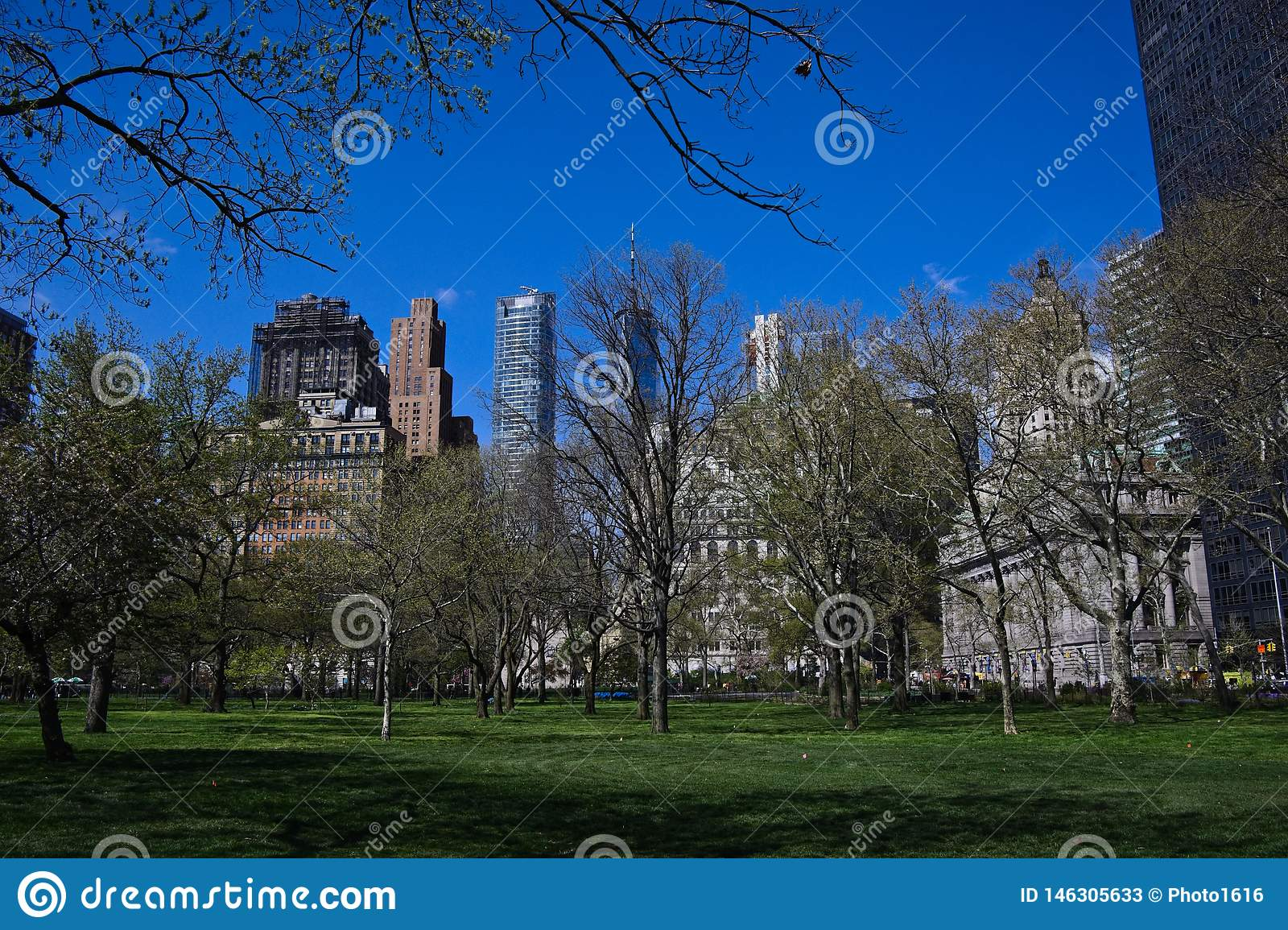 Parque del Lower Manhattan en primavera
