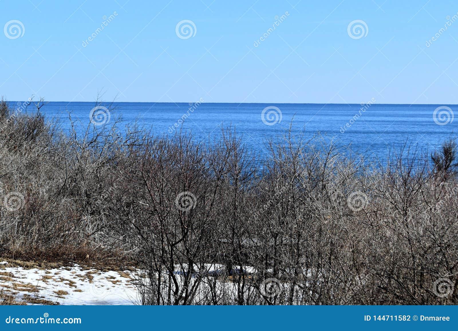 Parque estadual de duas luzes e vista para o mar circunvizinha no cabo Elizabeth, o Condado de Cumberland, Maine, MIM, Estados Un