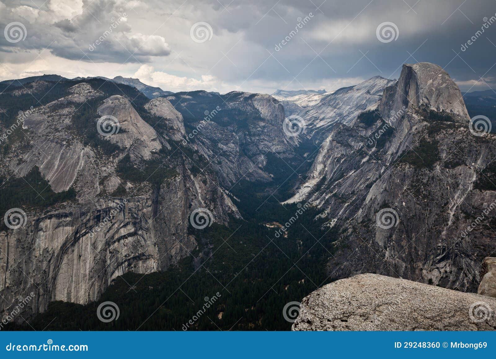 Download Parque Nacional De Yomsemite - Meia Abóbada Foto de Stock - Imagem de estados, desengate: 29248360