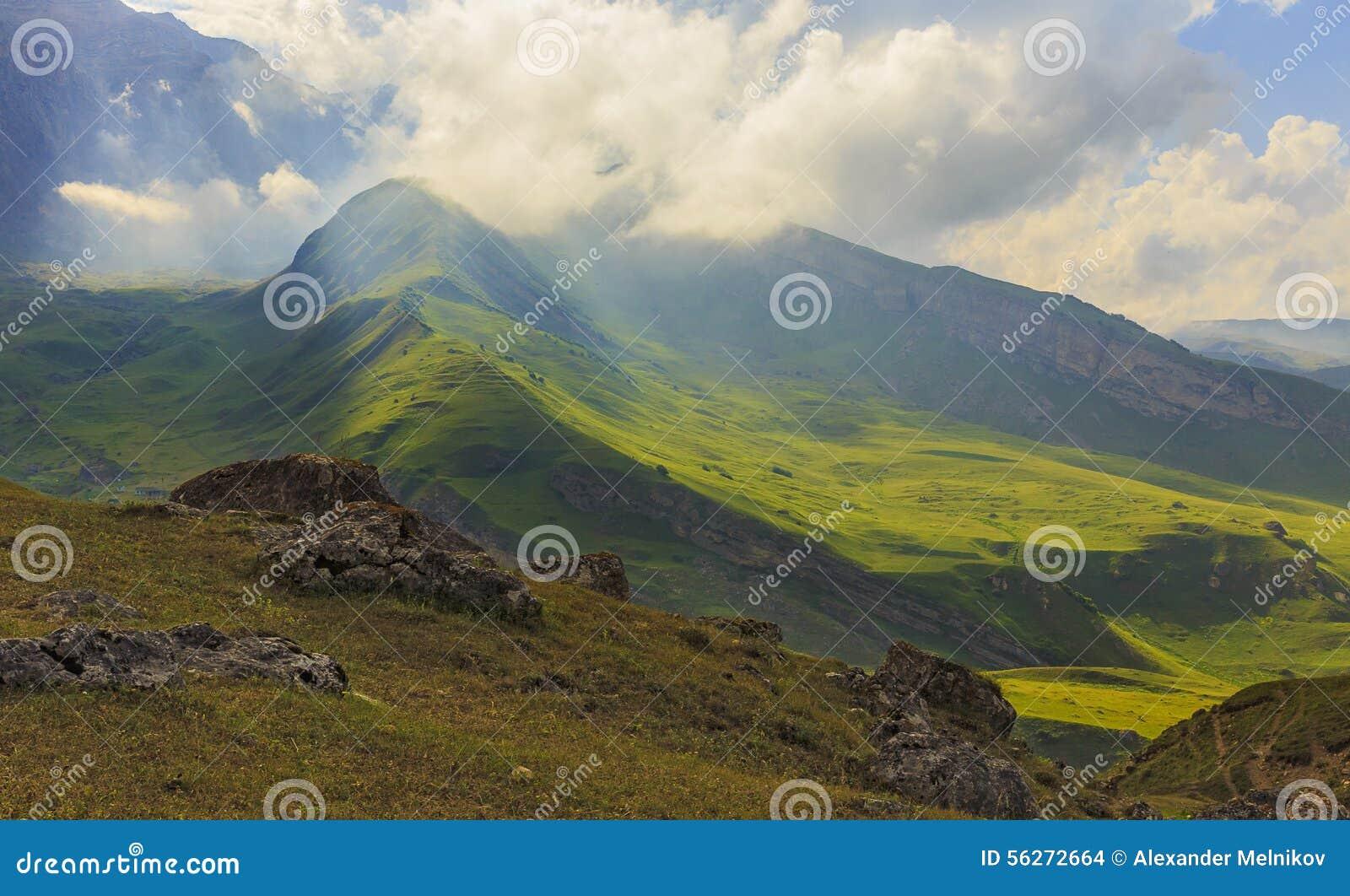 Parque nacional Shahdag (Azerbaijan) de las montañas