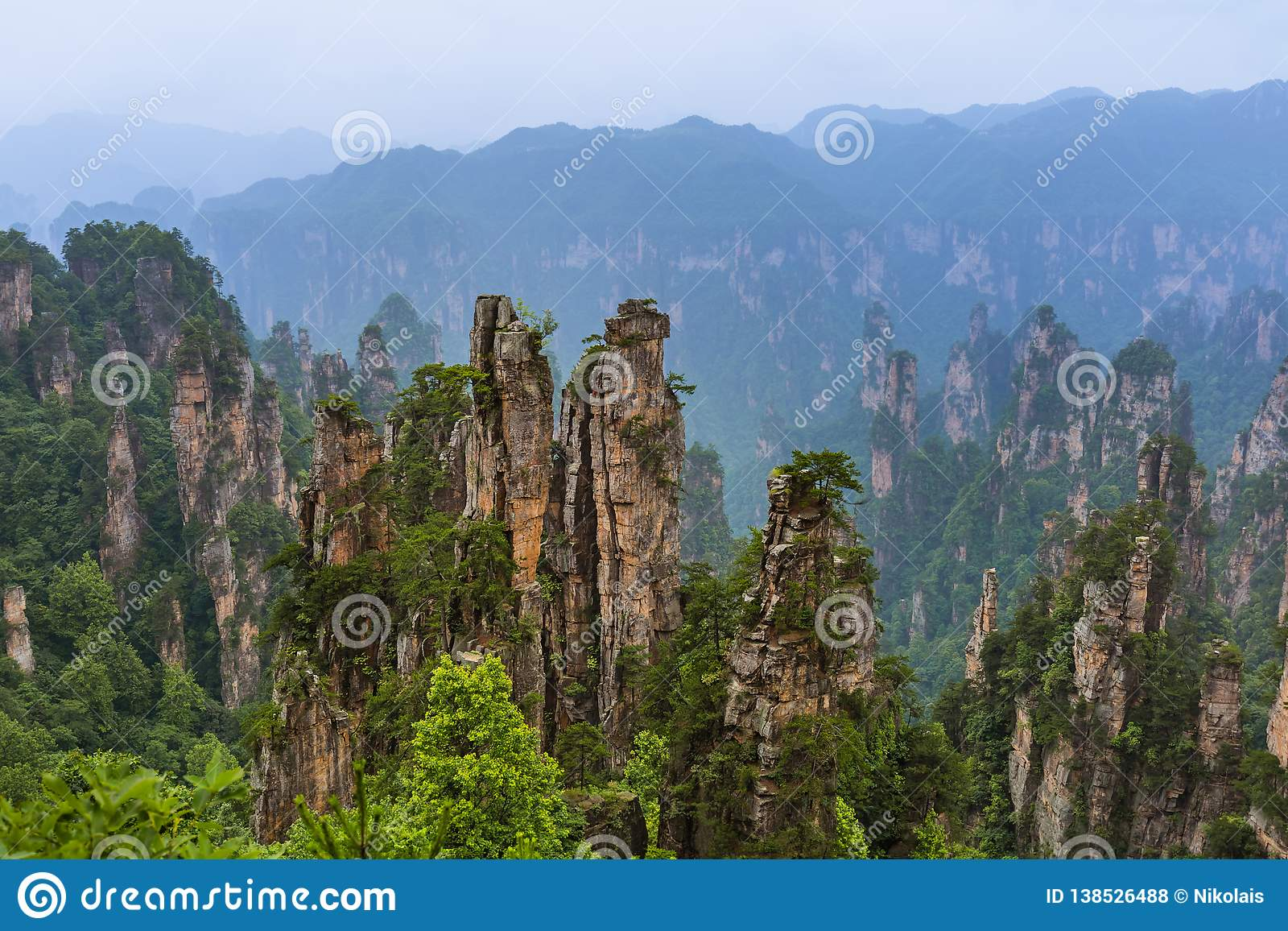 Parque natural das montanhas do Avatar de Tianzi - Wulingyuan China