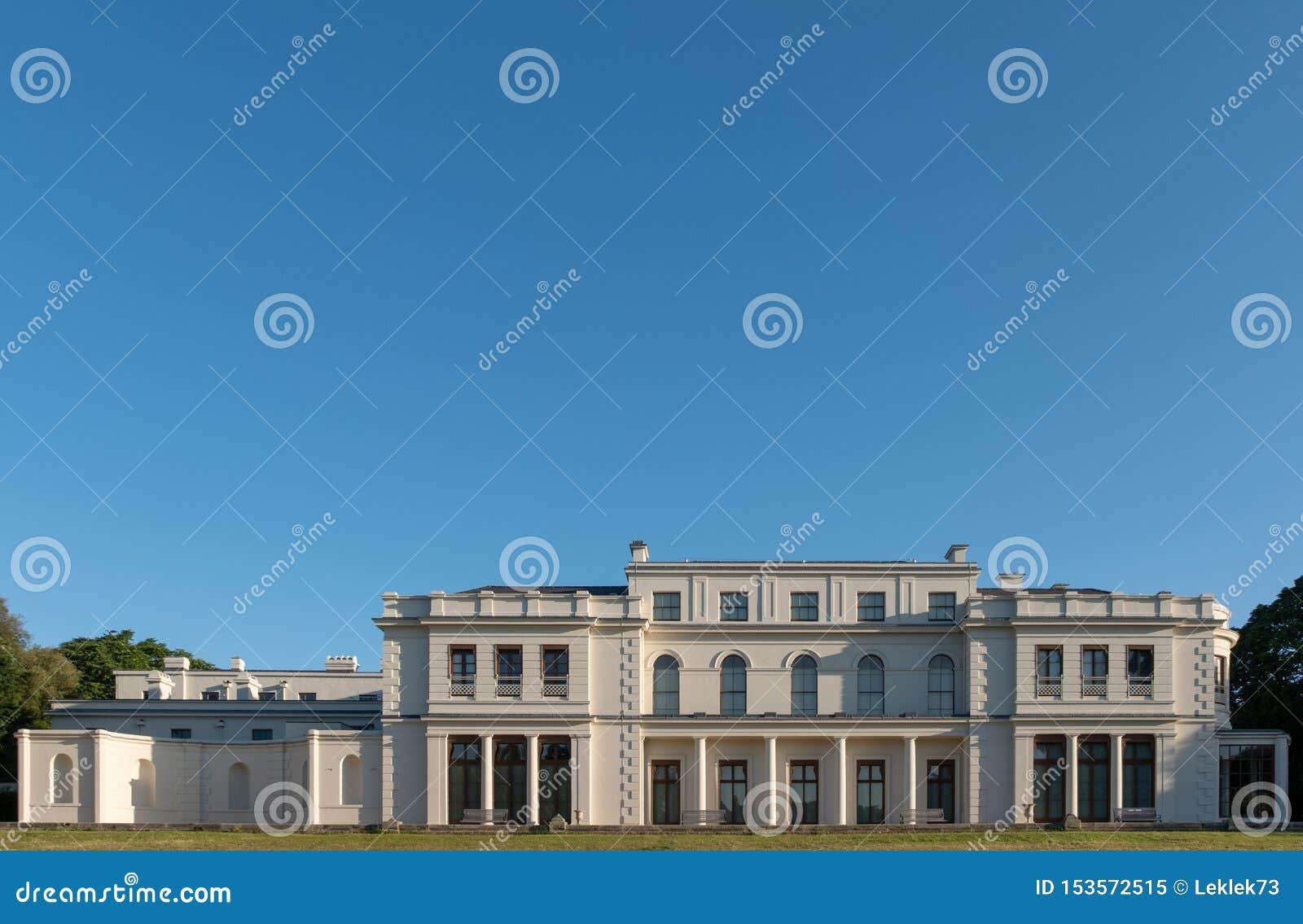 Parque y museo de Gunnersbury en el estado de Gunnersbury, poseído una vez por la familia de Rothschild, Londres Reino Unido