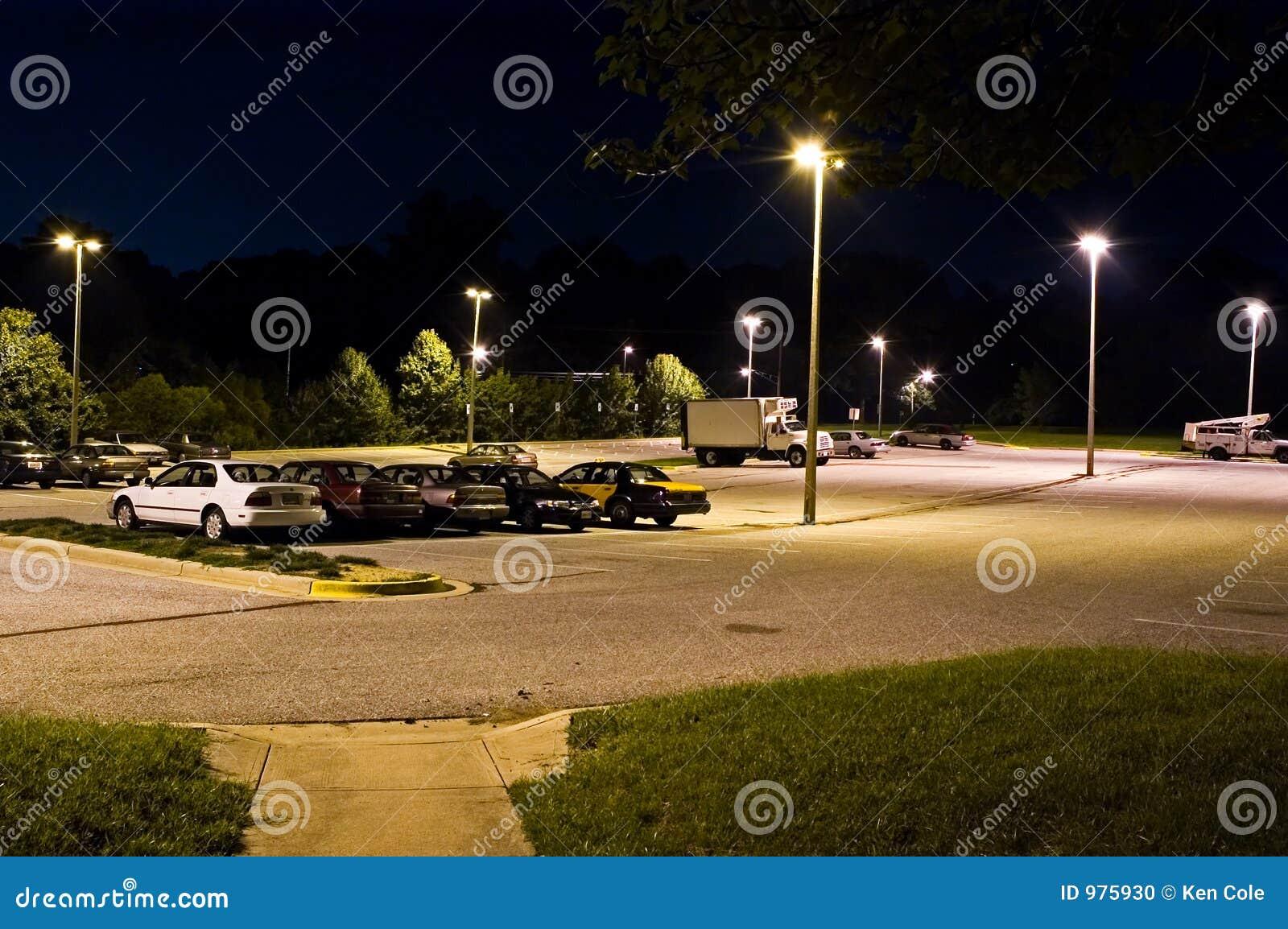 Parque y porción del paseo en la noche - 2