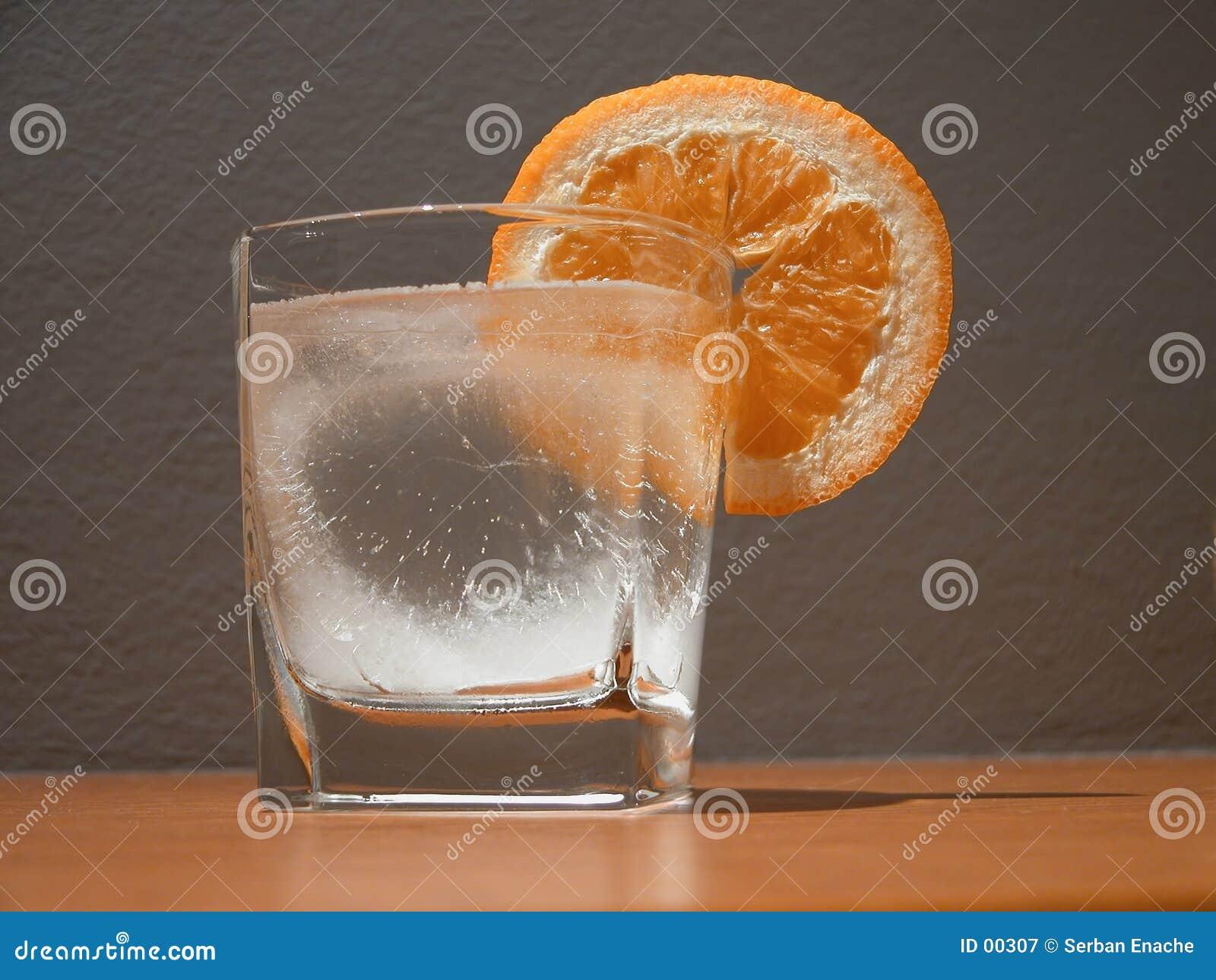 Part en verre et orange