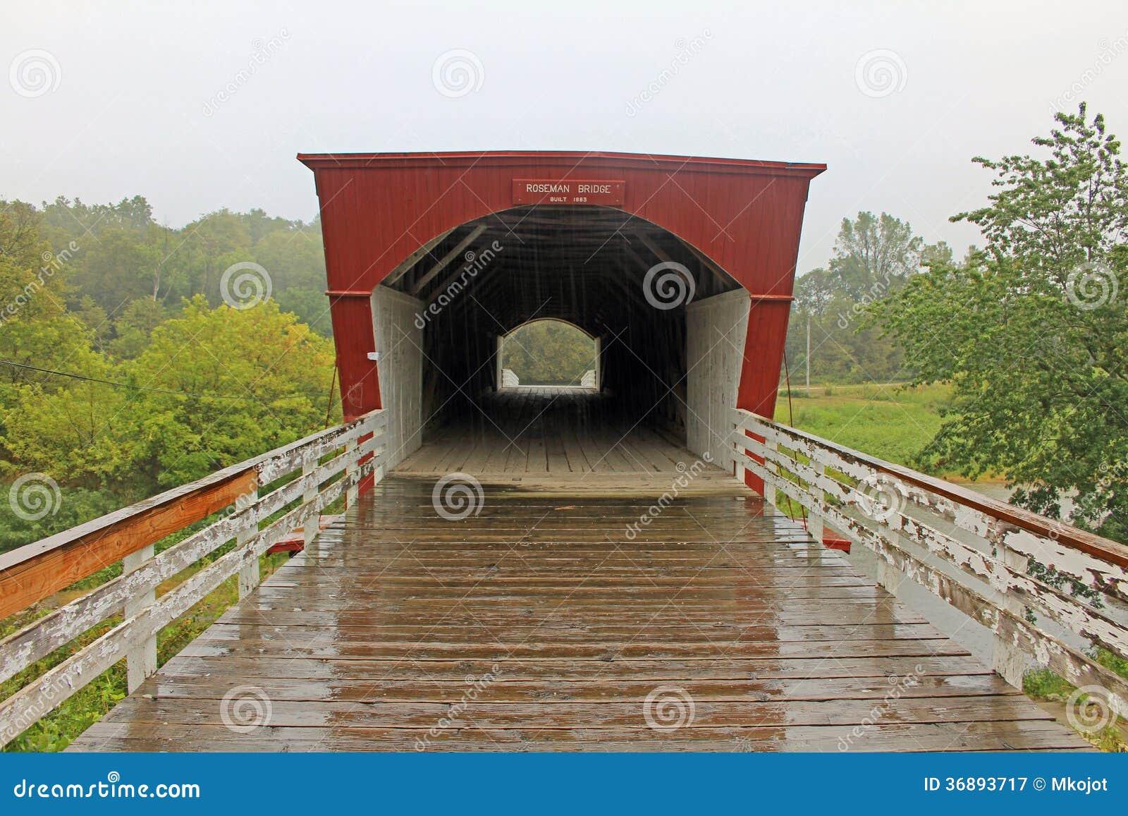 Download Parte Anteriore Del Ponte Di Roseman Immagine Stock - Immagine di iowa, wooden: 36893717