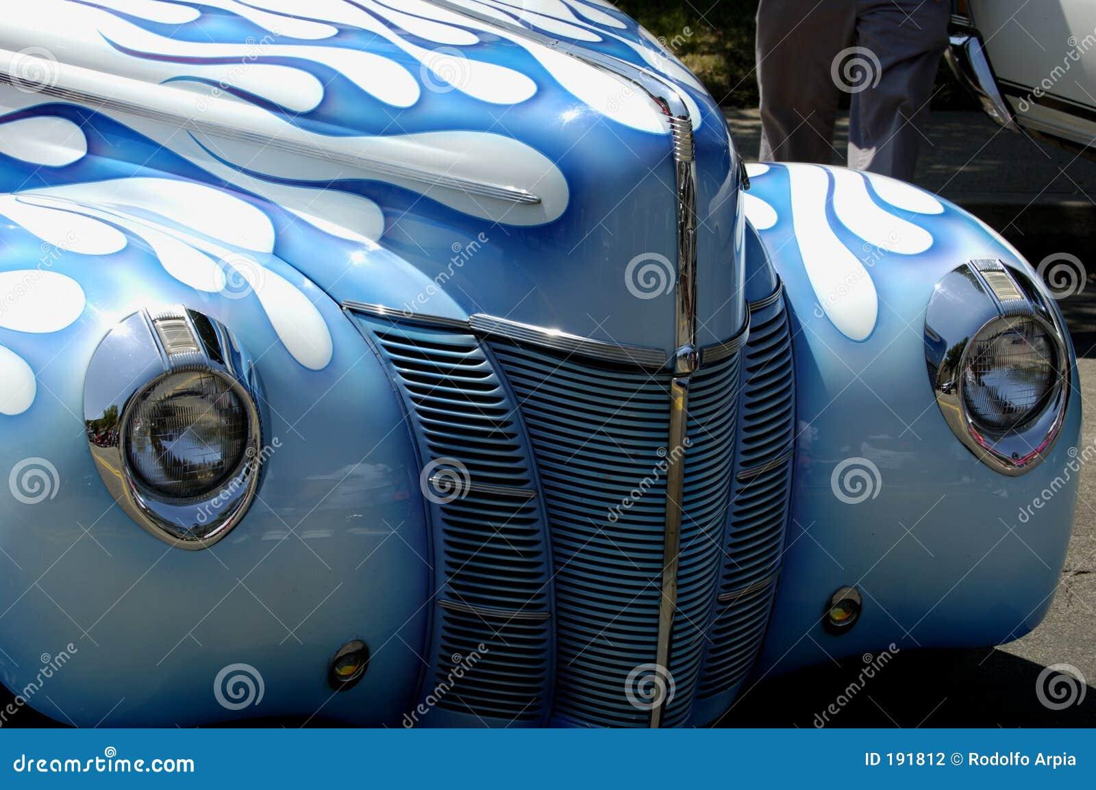Parte anteriore dell automobile dell annata