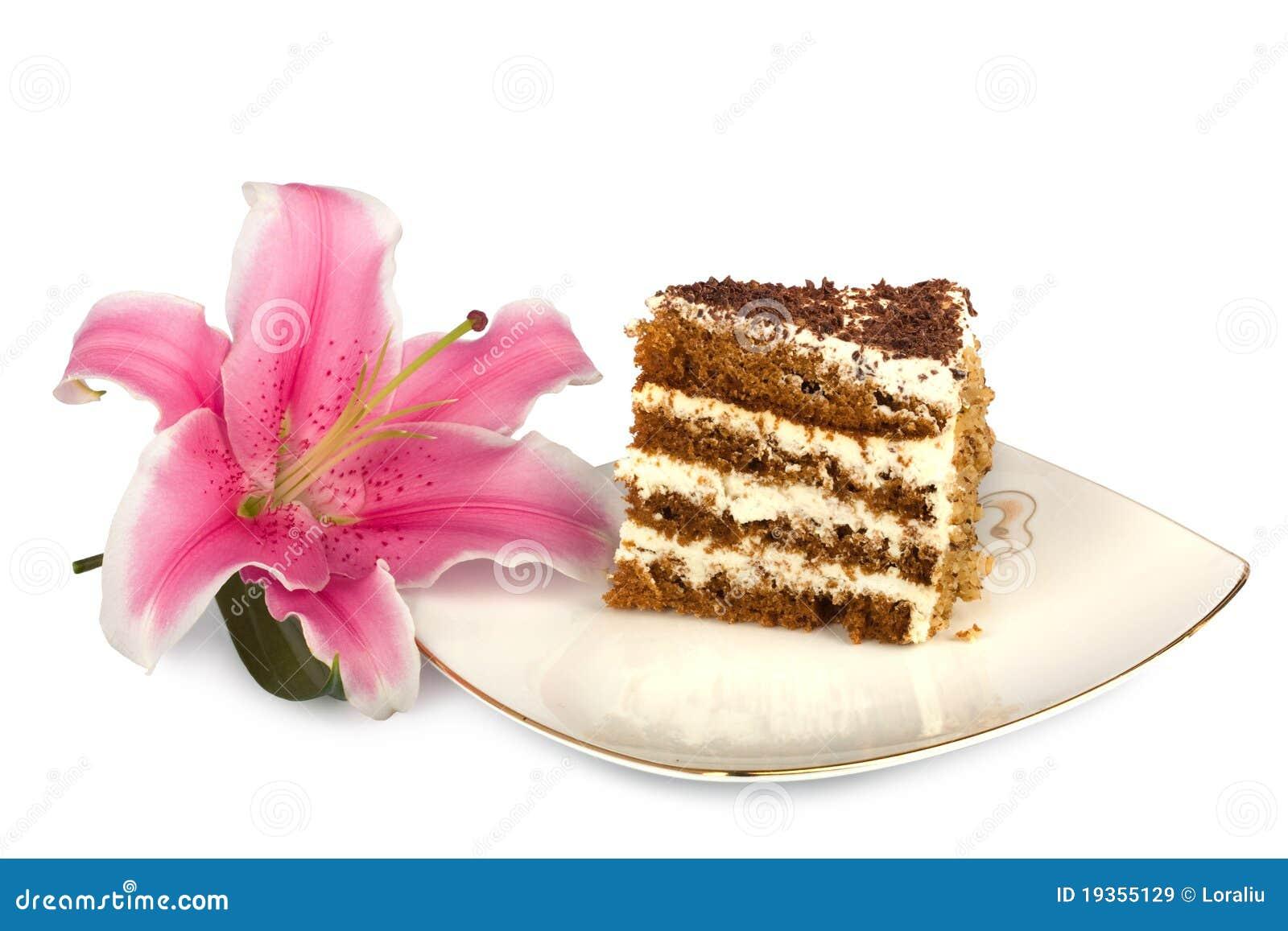 Parte de bolo em uma placa