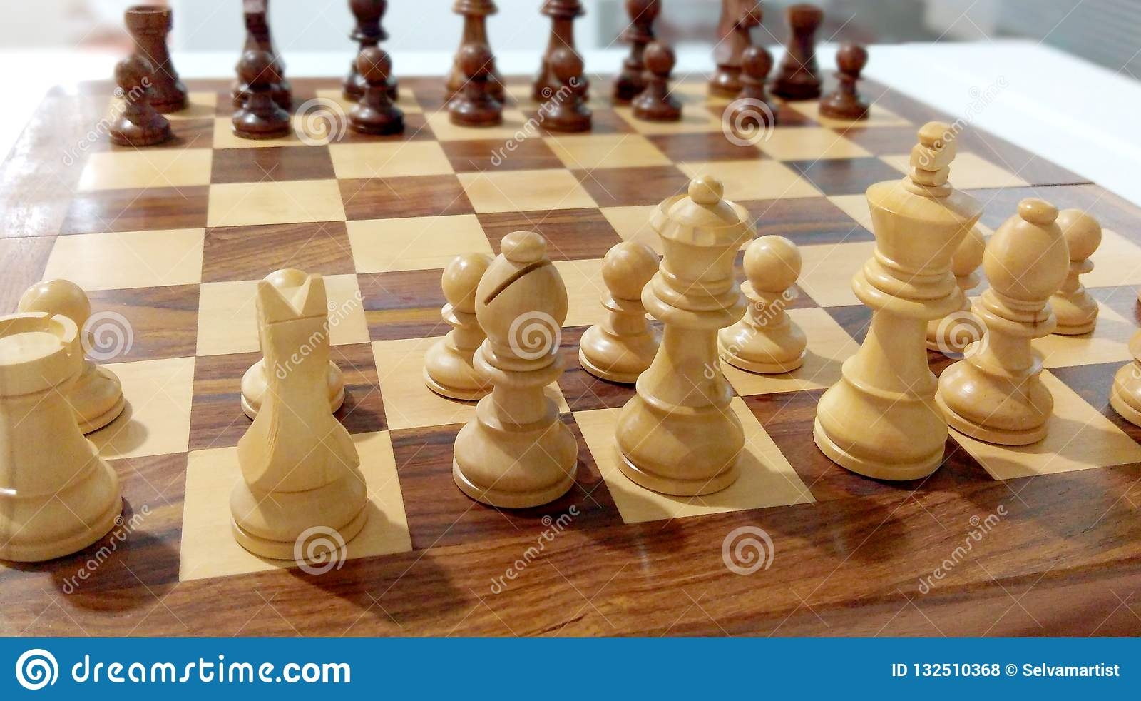 Parte de xadrez na placa de xadrez