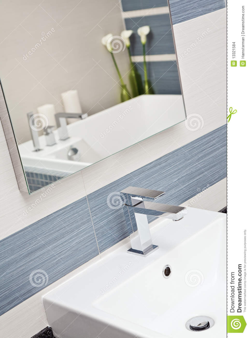 Baños Azules Modernos:Bathrooms with Gray and Blue Tones