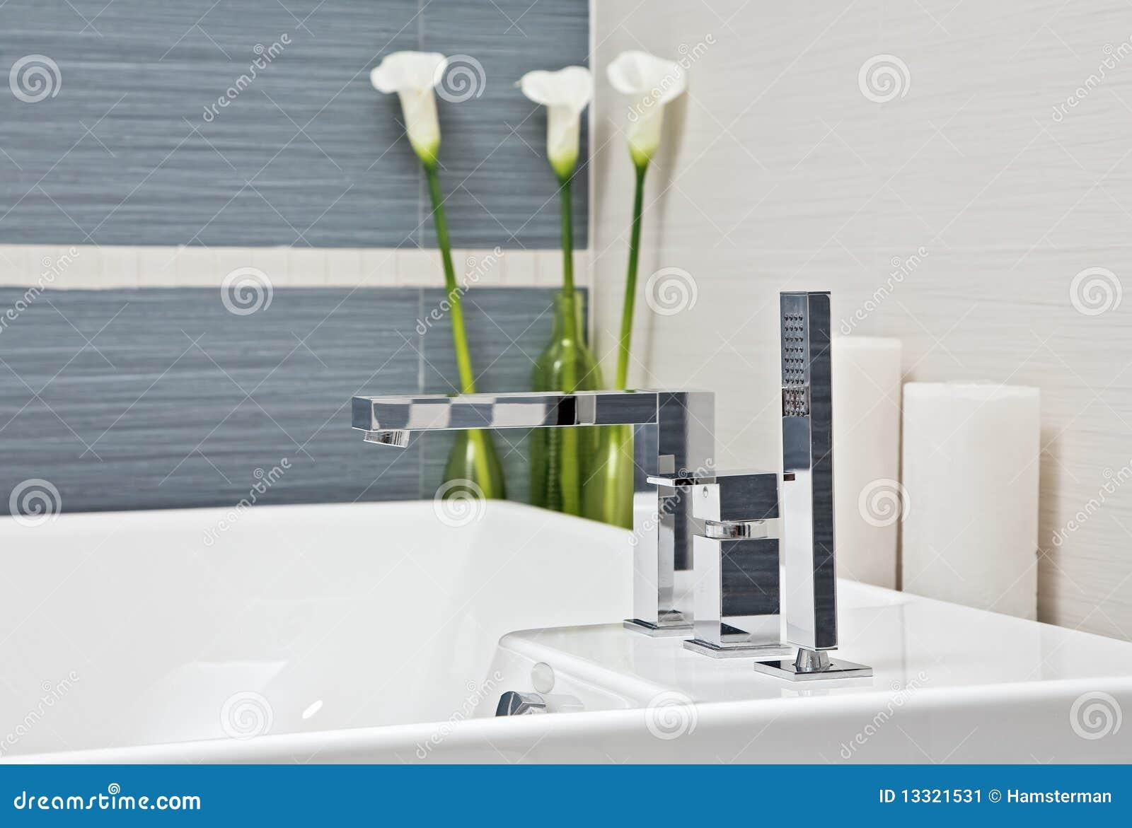 Parte Do Banheiro Moderno Em Tons Azuis E Cinzentos Imagem de Stock  #85A12A 1300 969