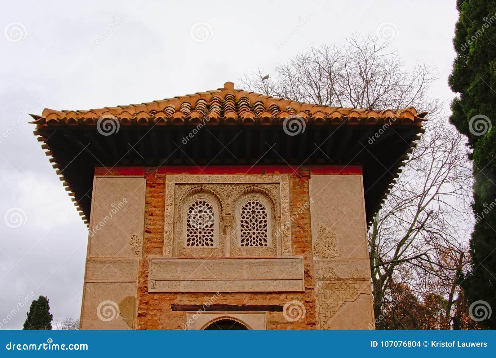 parte superior de uma torre detalhe de castelo medieval do moorish