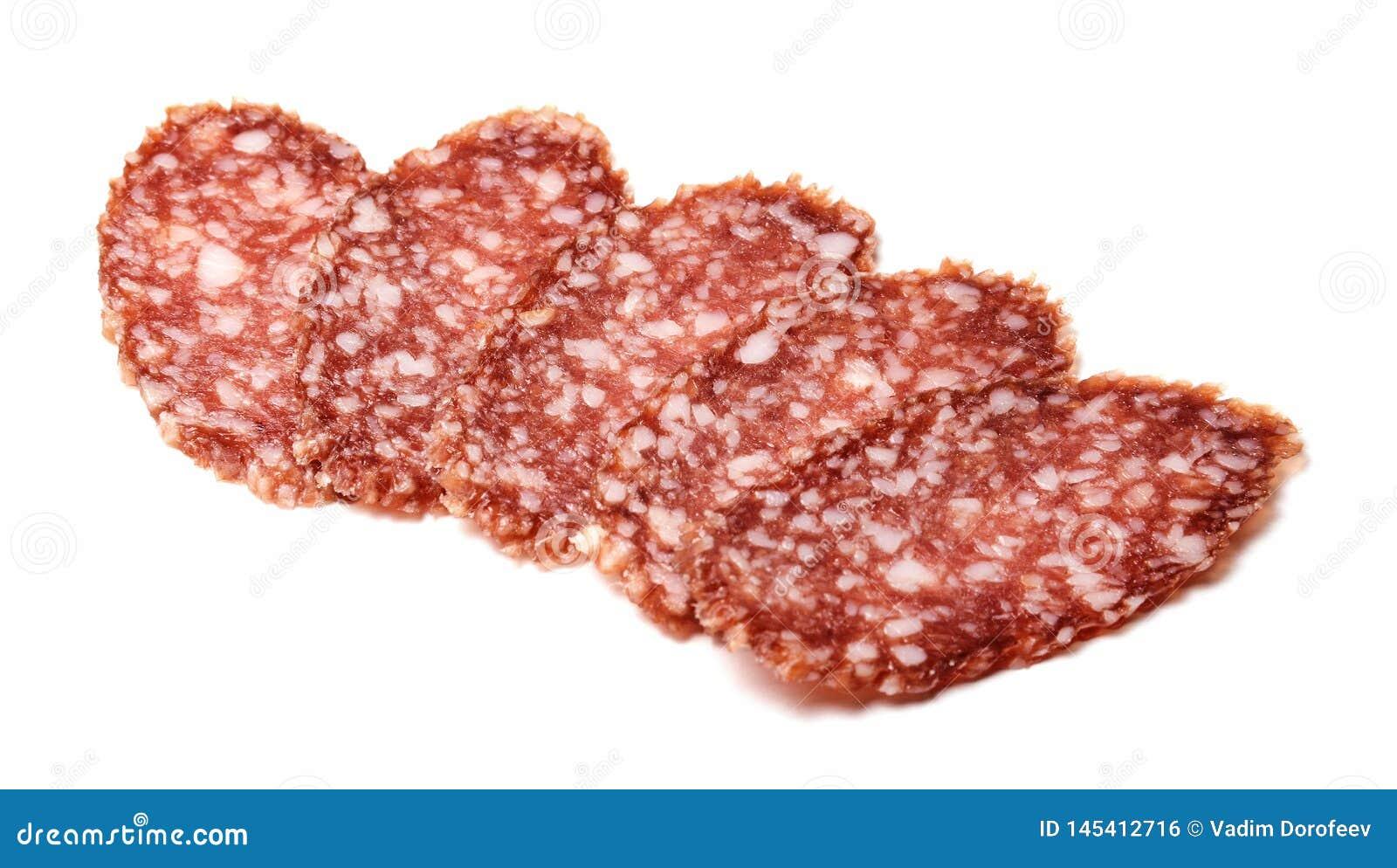 Partes apetitosas da salsicha no fundo isolado branco