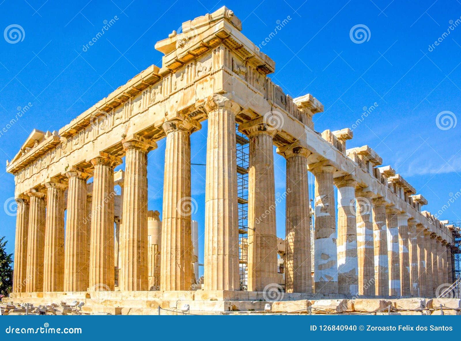 Parthenon en la acrópolis en Atenas, Grecia
