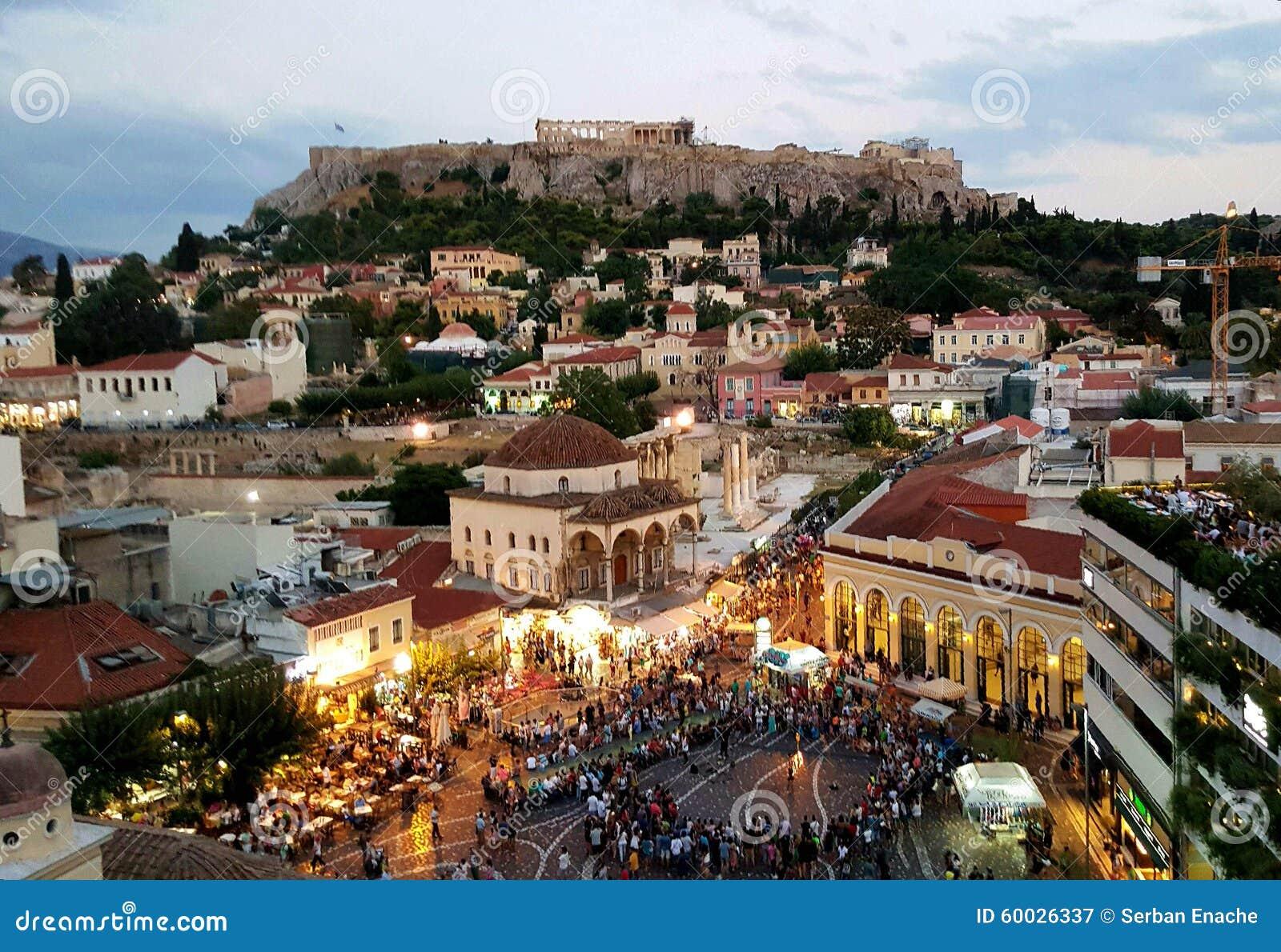 Parthenontempel en Monastiraki-plein, Athene, Griekenland