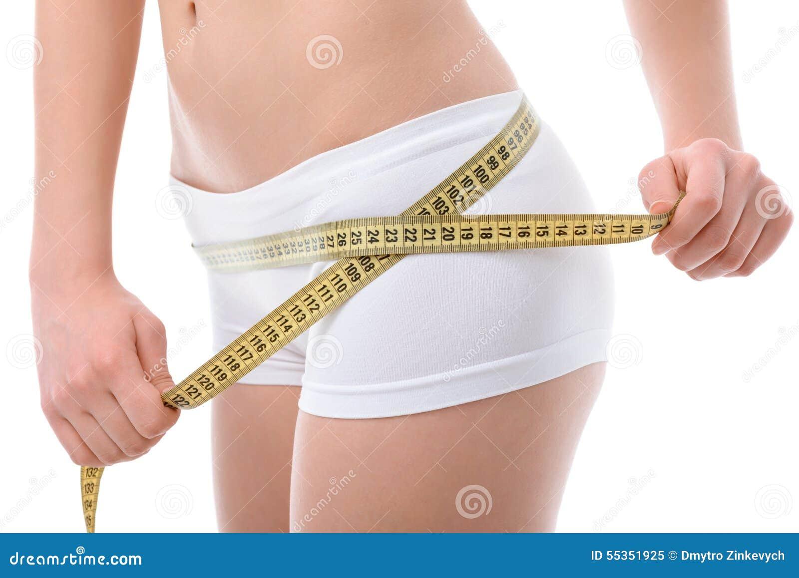 Parti di un corpo con nastro adesivo di misurazione
