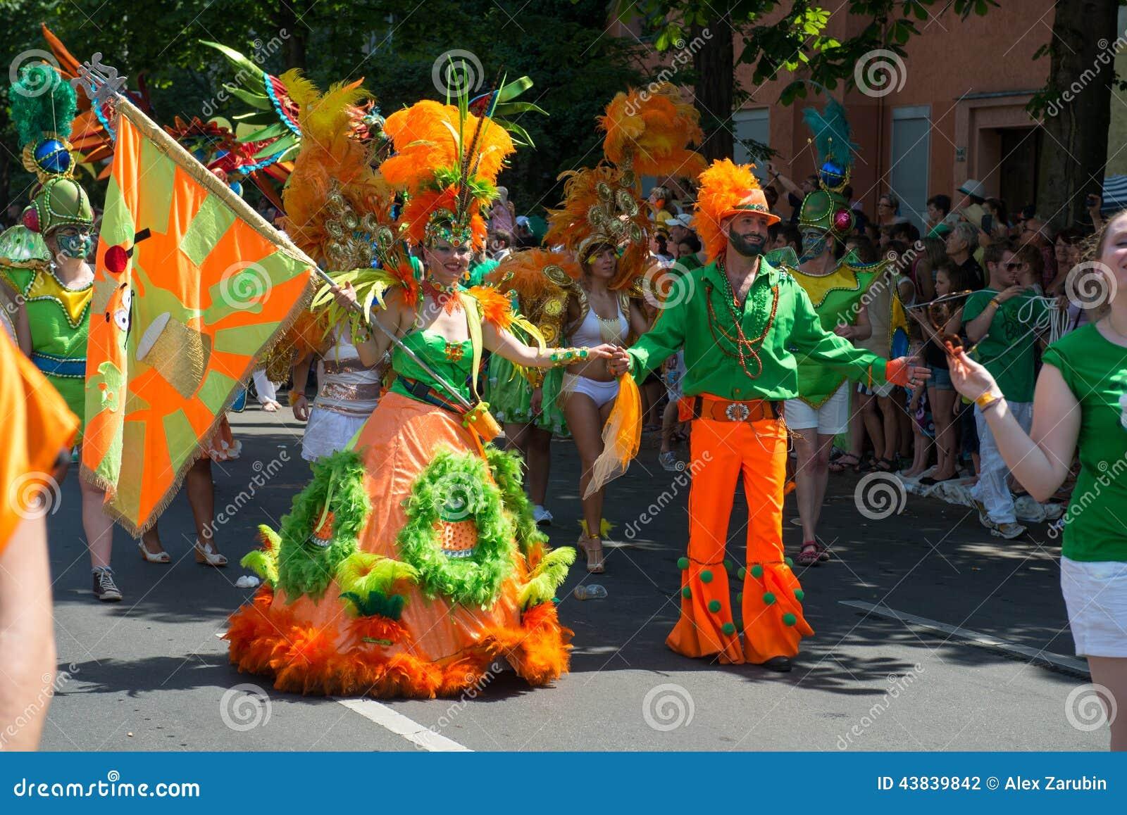 Participantes en el der Kulturen de Karneval