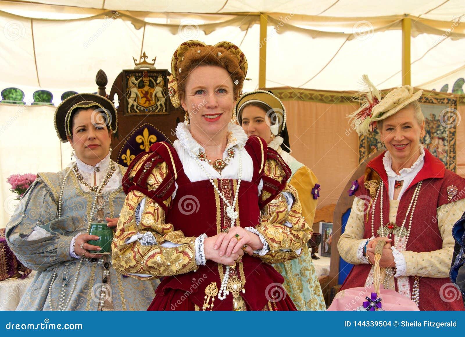 Participantes não identificados no festival da tartã