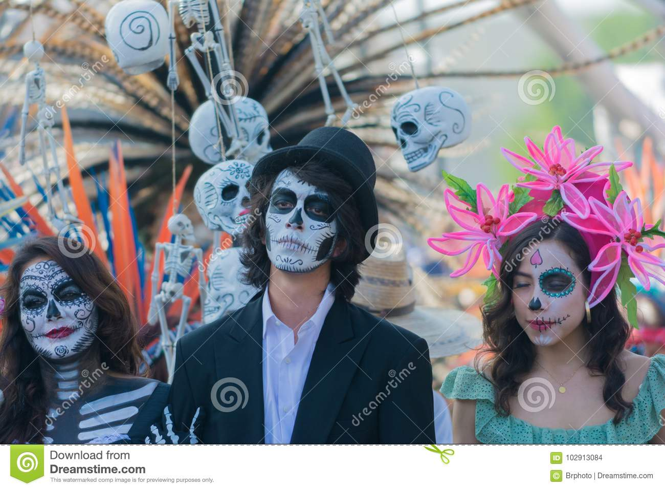 59960e0ec99 Participants In Traditional Clothing During Day Of The Dead ...