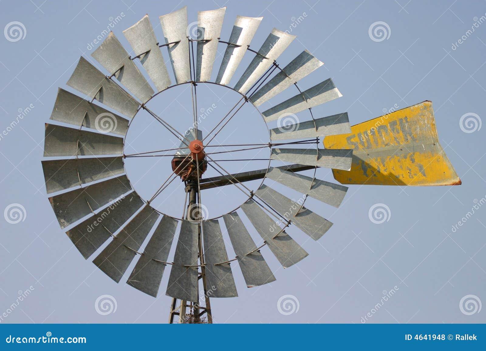 Particolare del mulino a vento